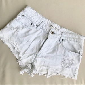 Roxy size 27 distressed jean shorts